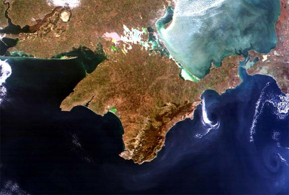 http://www.perekop.ru/wp-content/uploads/crimea-from-space-0.jpg