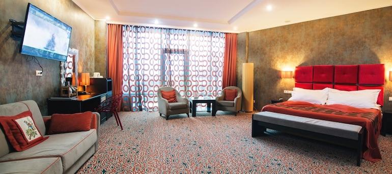 Фото номера дизайнерский полулюкс в Aquamarine Resort & SPA, Севастополь