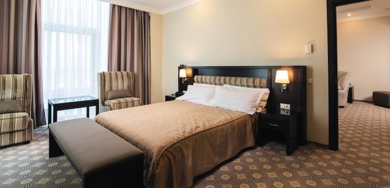 Фото двухкомнатного люкса отеля Aquamarine Resort & SPA, Севастополь