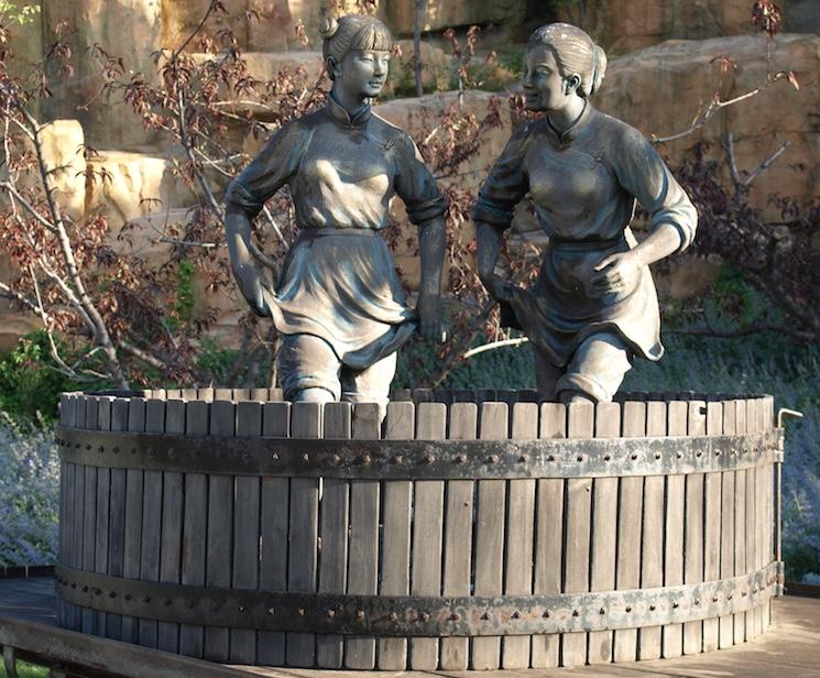 Памятник виноделам