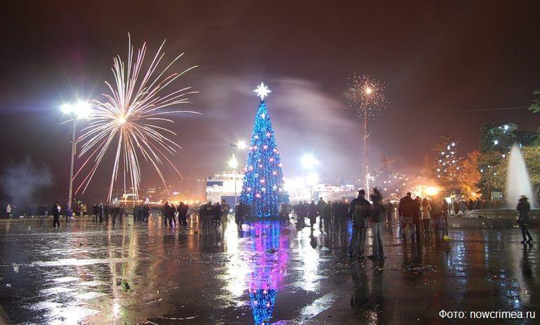 Новогодний фейерверк в Ялте