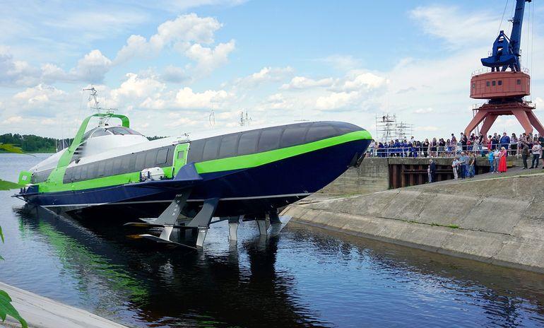 Новое судно на подводных крыльях Комета 120М спущено на воду
