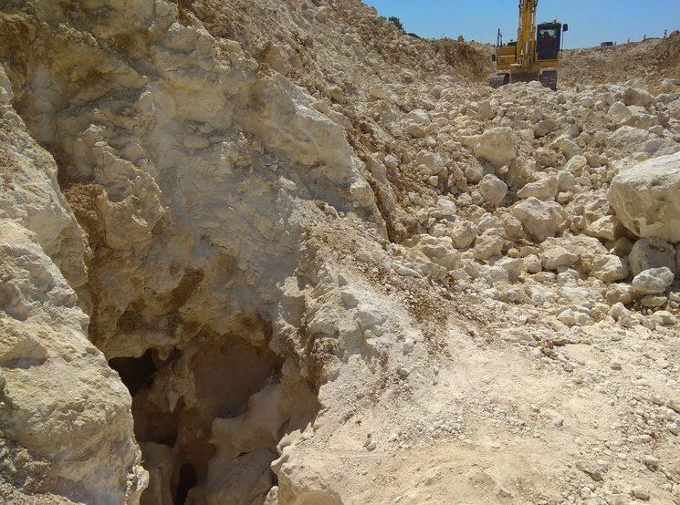 Обнаружена карстовая пещера во время стройки трассы Таврида