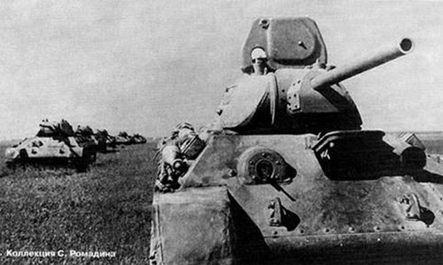 Тридцатьчетверки 5-го танкового полка