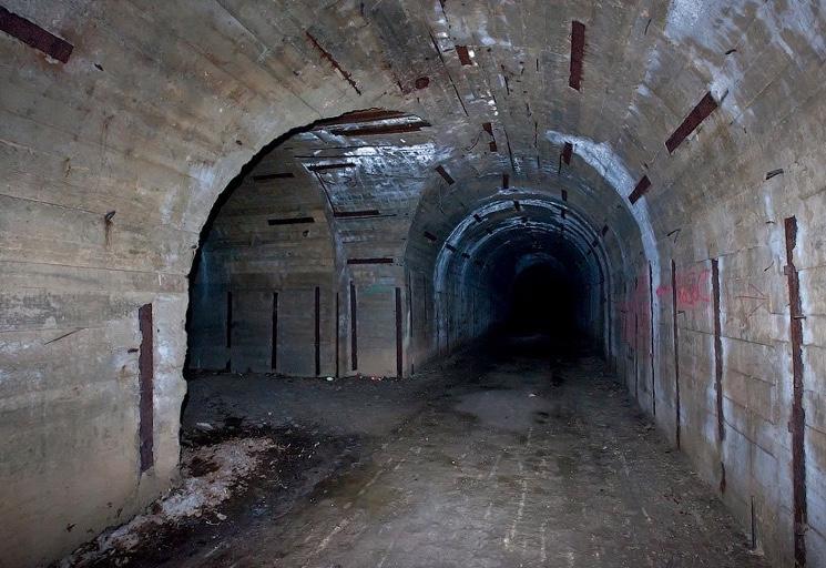Тоннели заброшенного ЗКП Черноморского Флота в Крыму