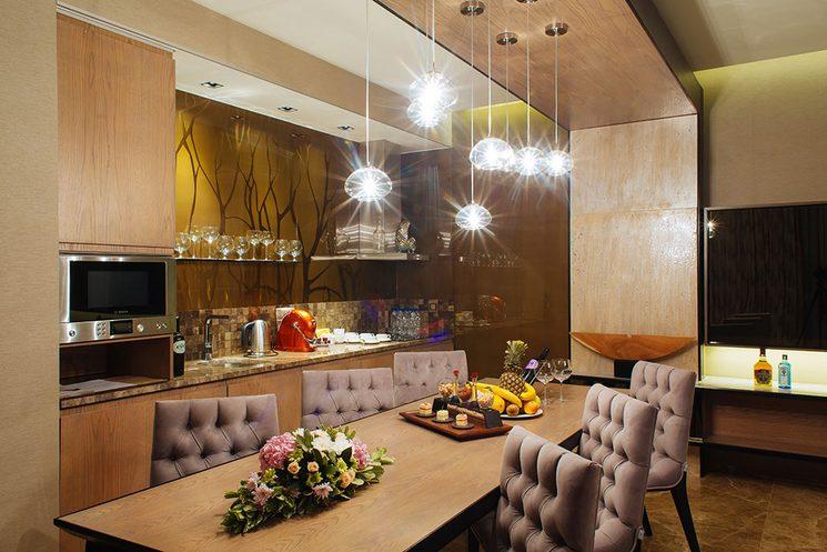 Семейная вилла отеля Mriya Resort & SPA (фото столовой)