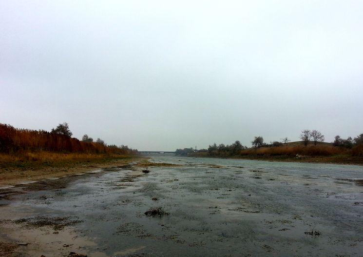 Пустое русло СКК в Крыму, ноябрь 2014