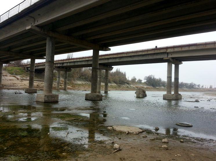 Мост через СКК в Армянске