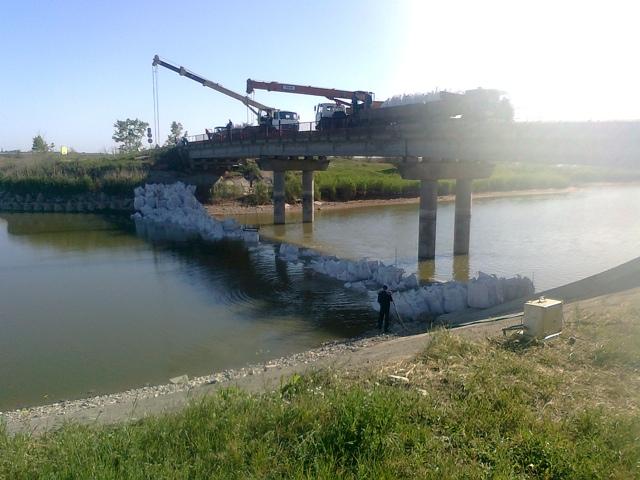 Украина перекрыла воду Крыму, май 2014, Херсонская область