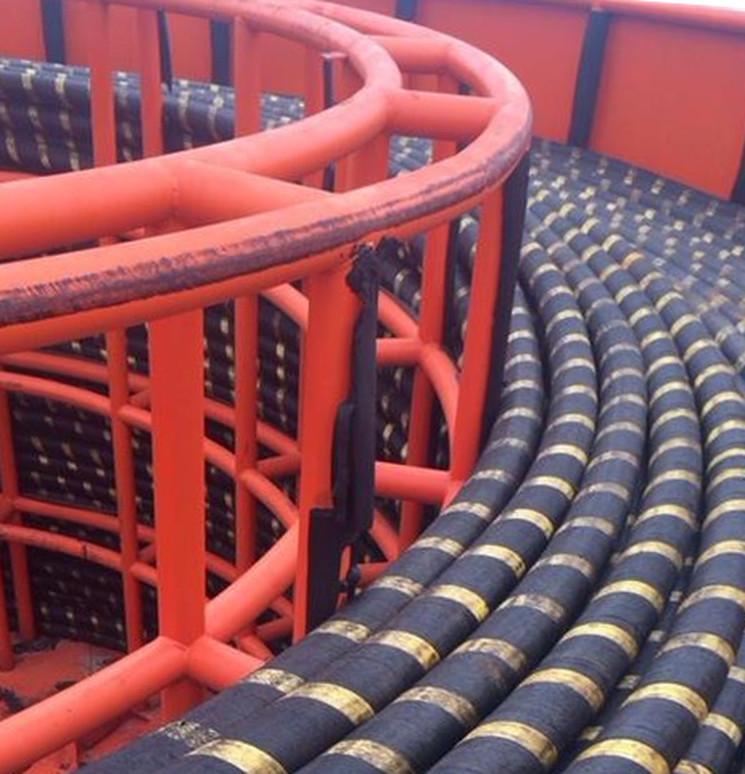 Судно кабелеукладчик энергомоста в Керчи
