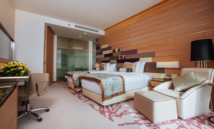 Трехкомнатный номер - Королевский Люкс (фото спальни)