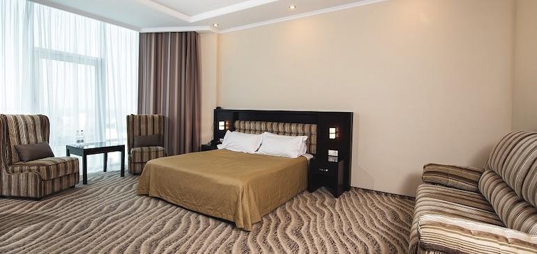 Фотография улучшенного номера Aquamarine Resort & SPA в Севастополе