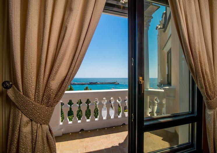 Вид на море из номеров отеля Вилла Елена